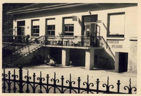 00268_ff_hotel_bahnhof_1949-1953.JPG